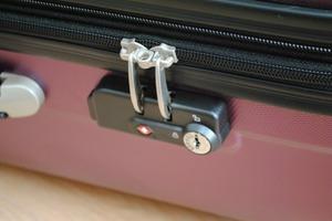 スーツケースのロック部分